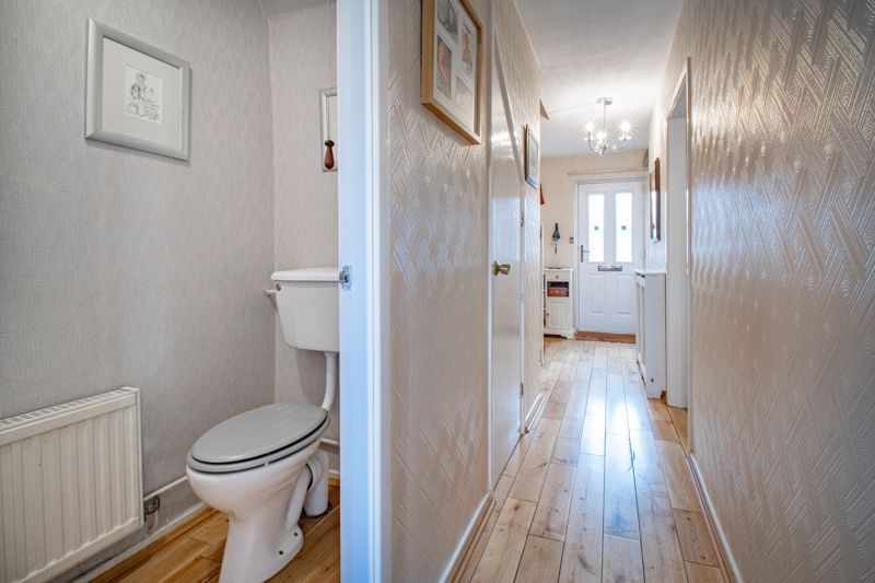 4 bed house for sale in Harrow Close 5
