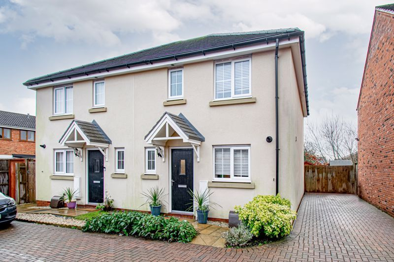 3 bed house for sale in Kingcup Close  - Property Image 1