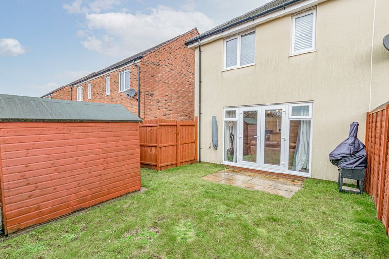 3 bed house for sale in Kingcup Close 13
