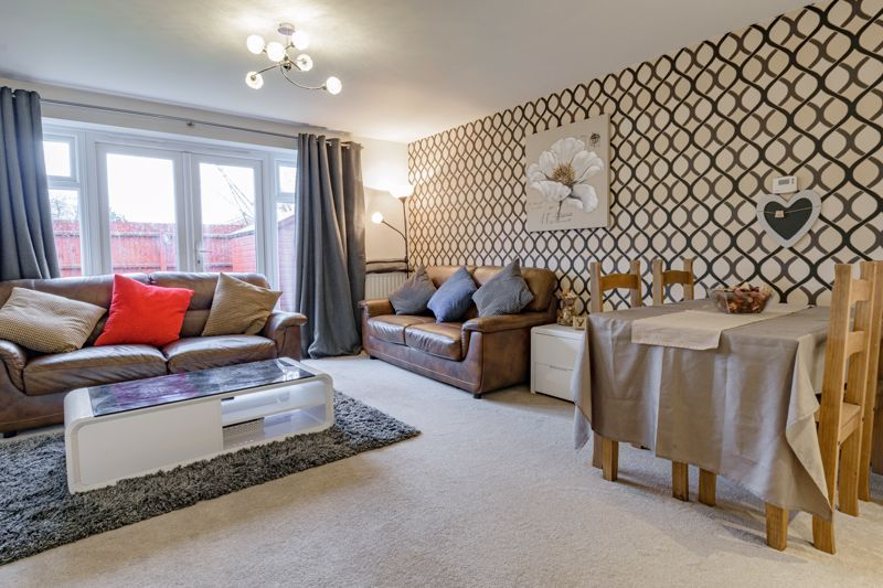 3 bed house for sale in Kingcup Close 3