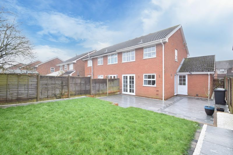 3 bed house to rent in Maisemore Close  - Property Image 11