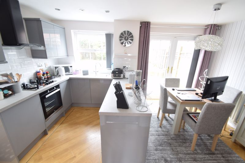 3 bed house to rent in Maisemore Close 5