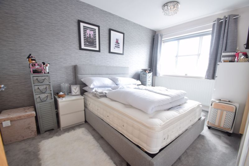 3 bed house to rent in Maisemore Close 7