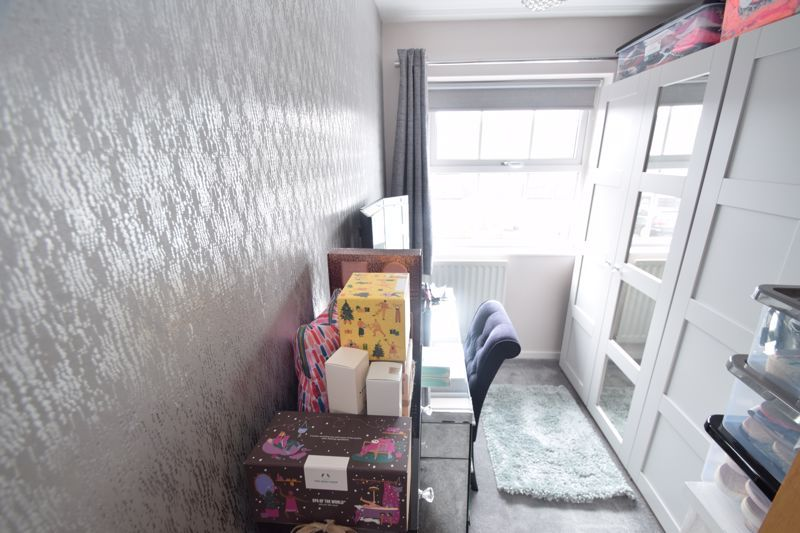 3 bed house to rent in Maisemore Close 9