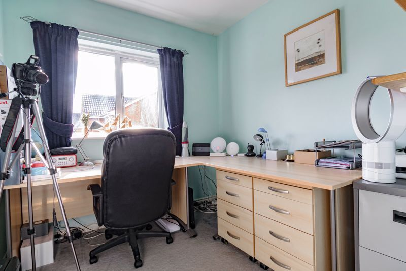 4 bed house for sale in Chepstow Drive 11