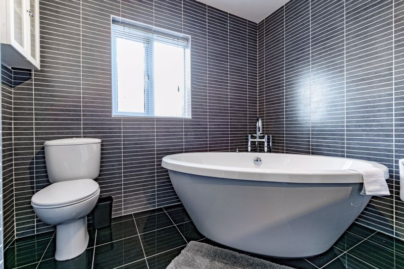 4 bed house for sale in Chepstow Drive  - Property Image 12