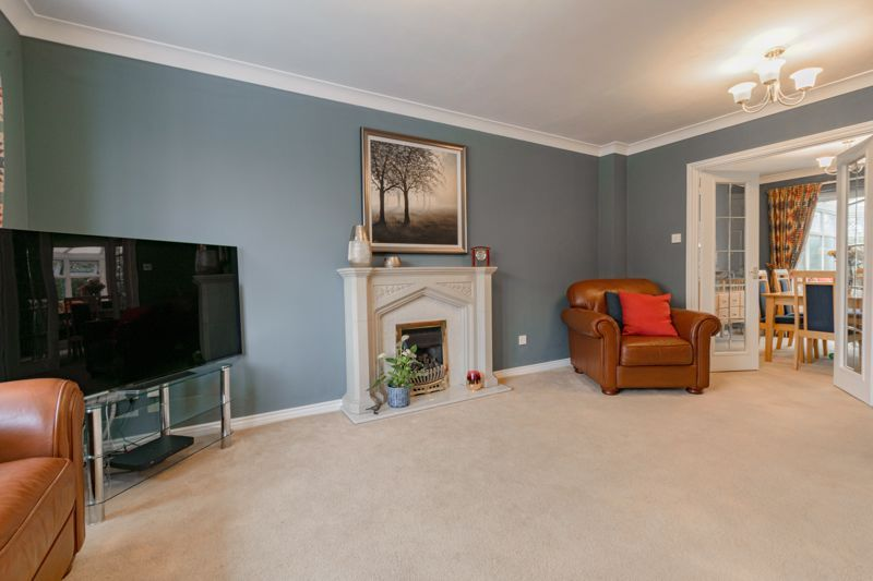 4 bed house for sale in Chepstow Drive 18
