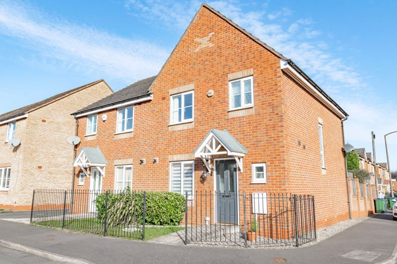 3 bed house for sale in George Wood Avenue 1