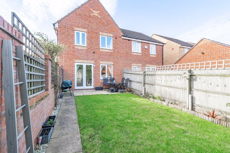 3 bed house for sale in George Wood Avenue 13