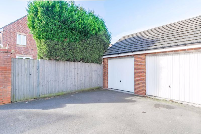 3 bed house for sale in George Wood Avenue 14