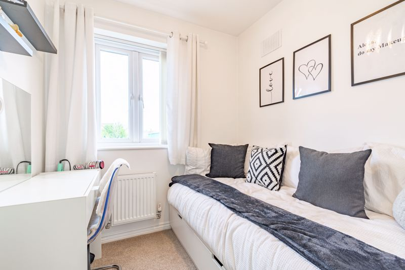 3 bed house for sale in George Wood Avenue 10