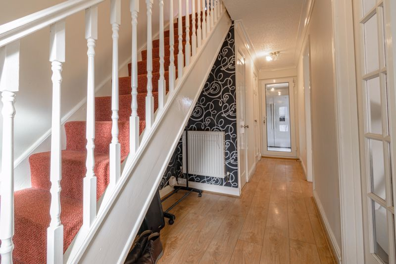 3 bed house for sale in Lingfield Walk  - Property Image 15