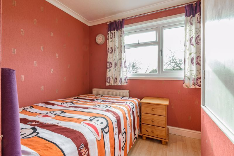 3 bed house for sale in Lingfield Walk 10