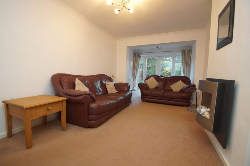 3 bed house to rent in Pennine Road 2