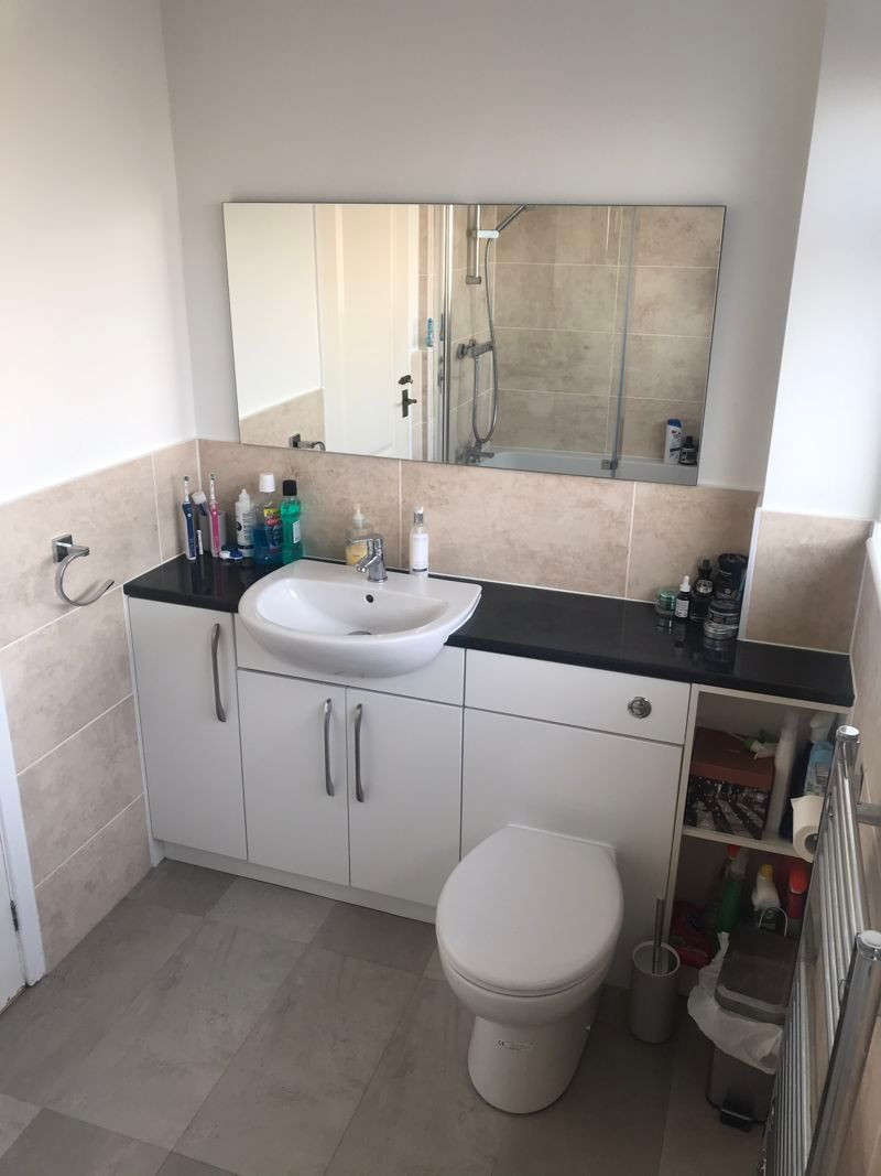 3 bed house to rent in Pennine Road 11