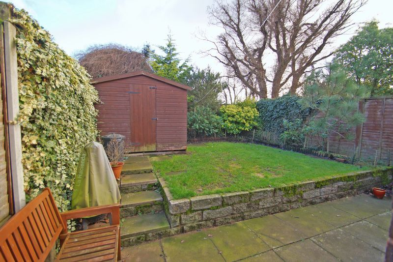 3 bed house to rent in Pennine Road 12