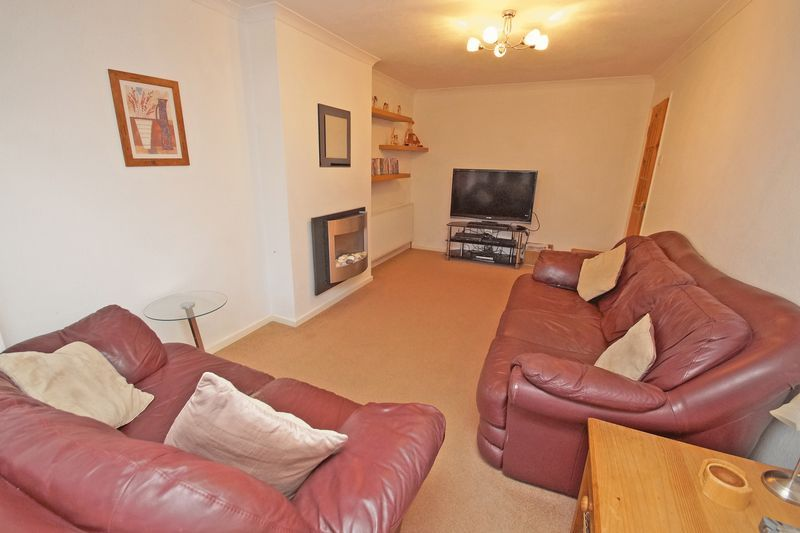 3 bed house to rent in Pennine Road 3