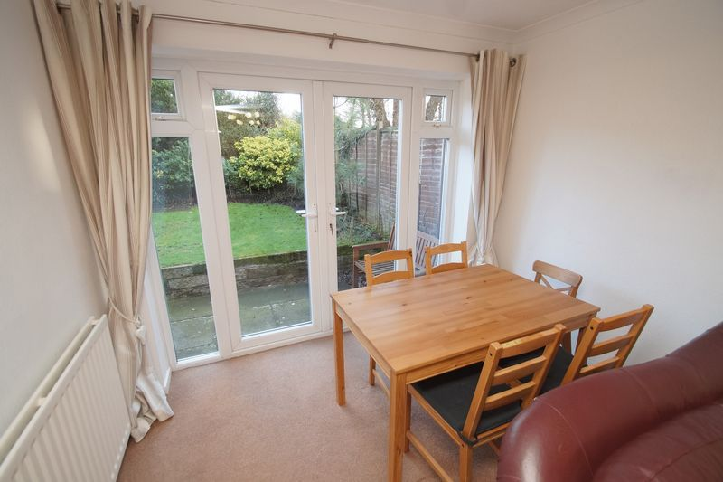 3 bed house to rent in Pennine Road 4