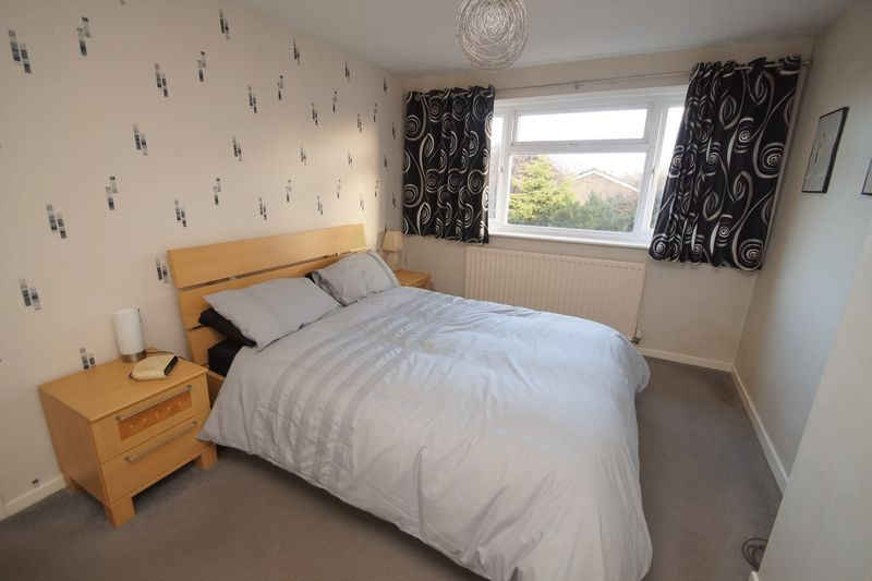 3 bed house to rent in Pennine Road 8