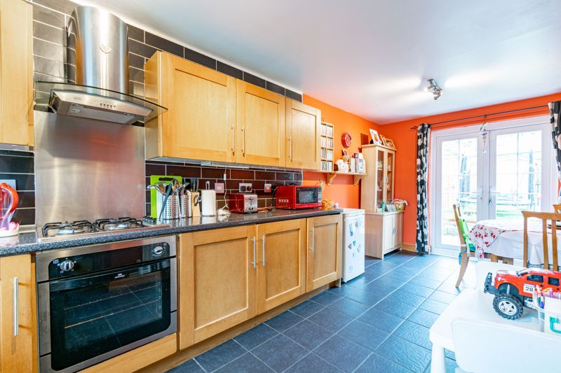 2 bed house to rent in Mickleton Close 4