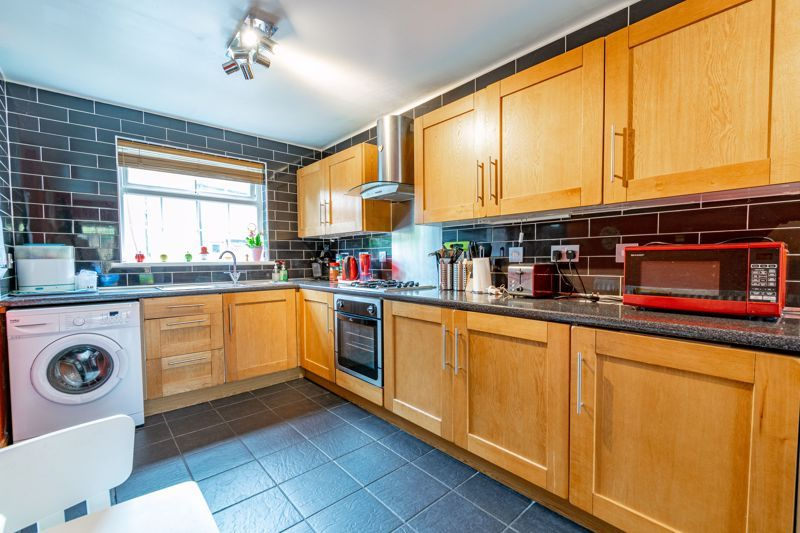2 bed house to rent in Mickleton Close 5