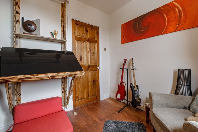 4 bed house for sale in Holbeache Road  - Property Image 11