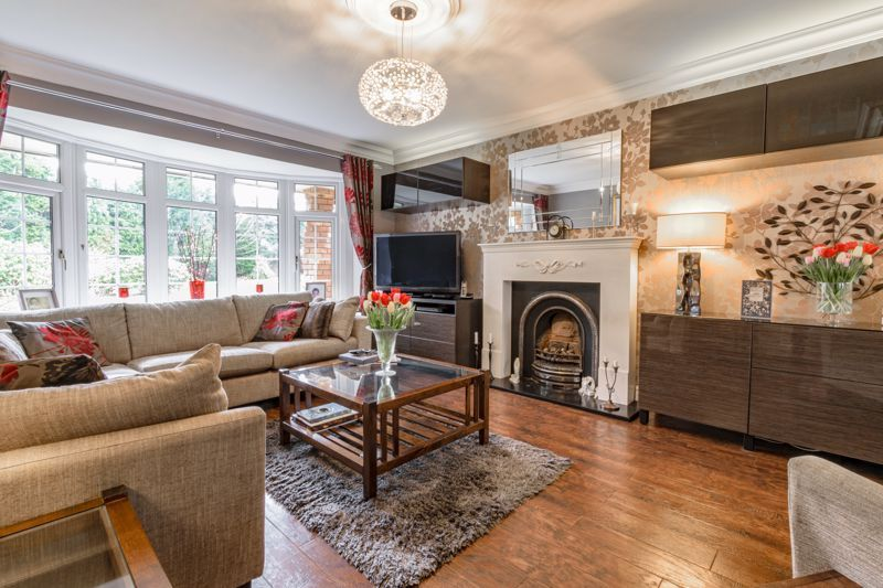 4 bed house for sale in Holbeache Road  - Property Image 3
