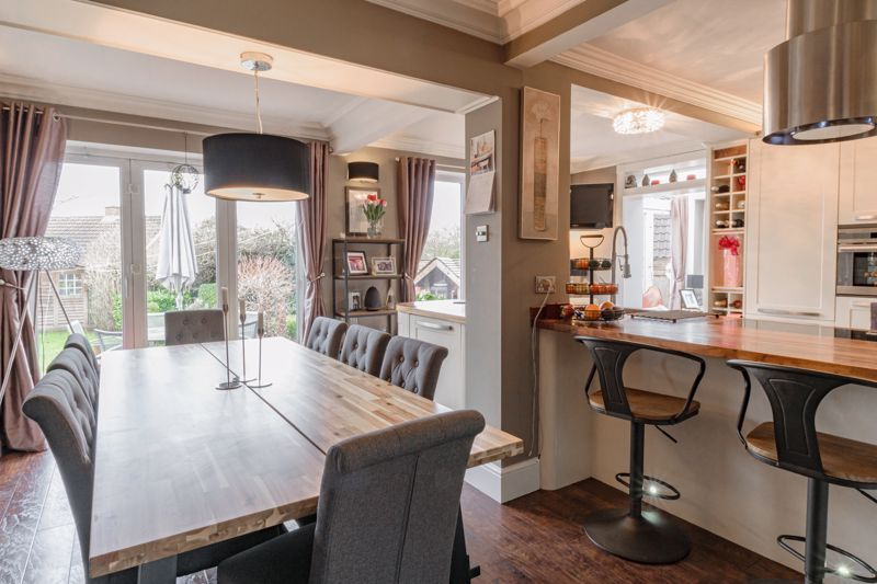 4 bed house for sale in Holbeache Road  - Property Image 4
