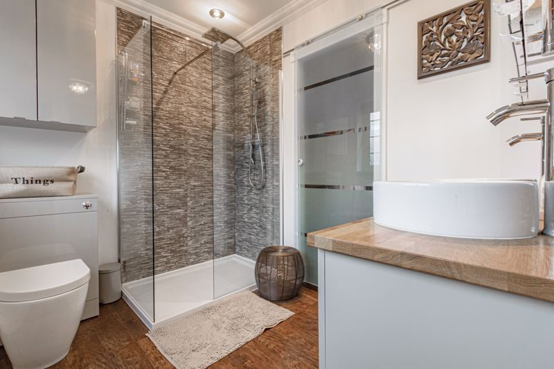 4 bed house for sale in Holbeache Road  - Property Image 8