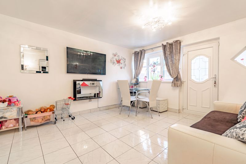 2 bed house for sale in The Dell  - Property Image 2