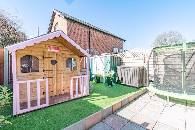 2 bed house for sale in The Dell 11