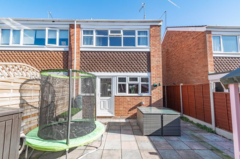 2 bed house for sale in The Dell 12