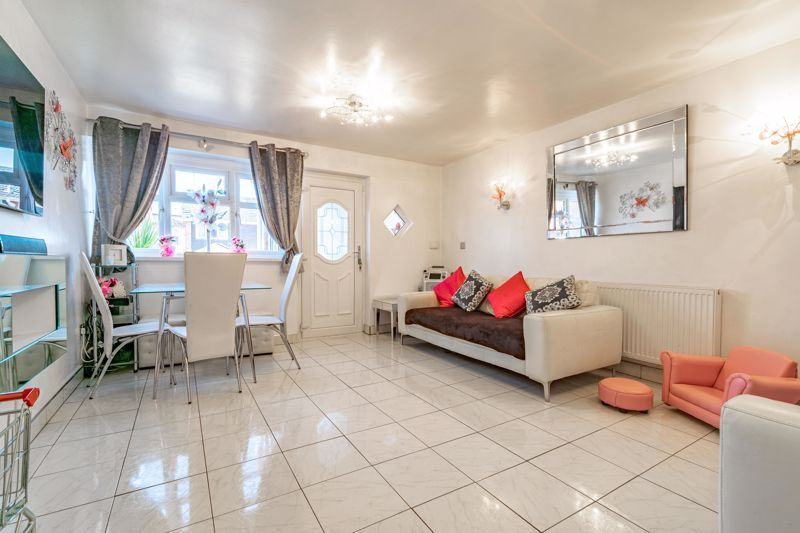 2 bed house for sale in The Dell  - Property Image 16