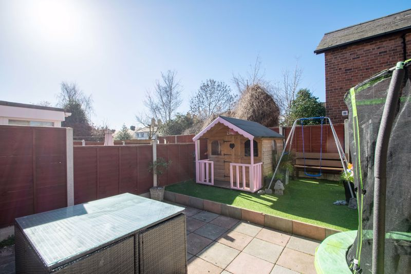 2 bed house for sale in The Dell 18