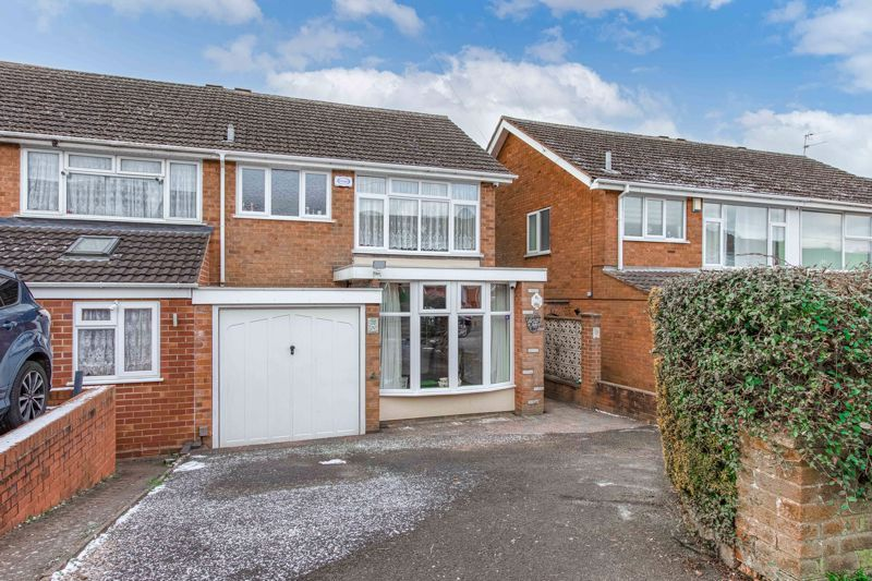 3 bed house for sale in Acorn Road 1
