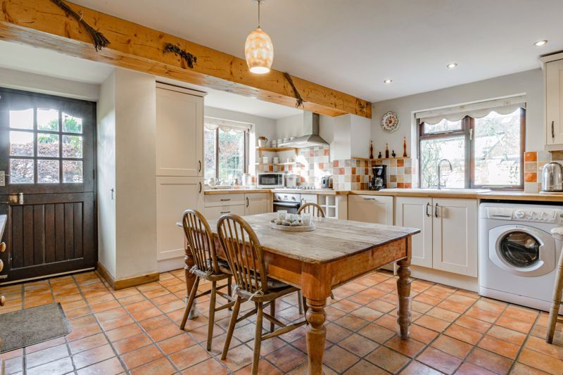 4 bed house for sale in Sharpway Gate  - Property Image 2