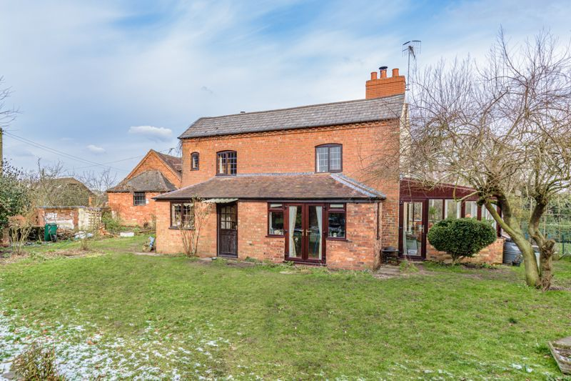 4 bed house for sale in Sharpway Gate 13