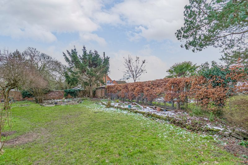 4 bed house for sale in Sharpway Gate 14