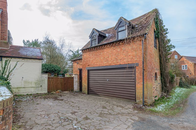 4 bed house for sale in Sharpway Gate 16