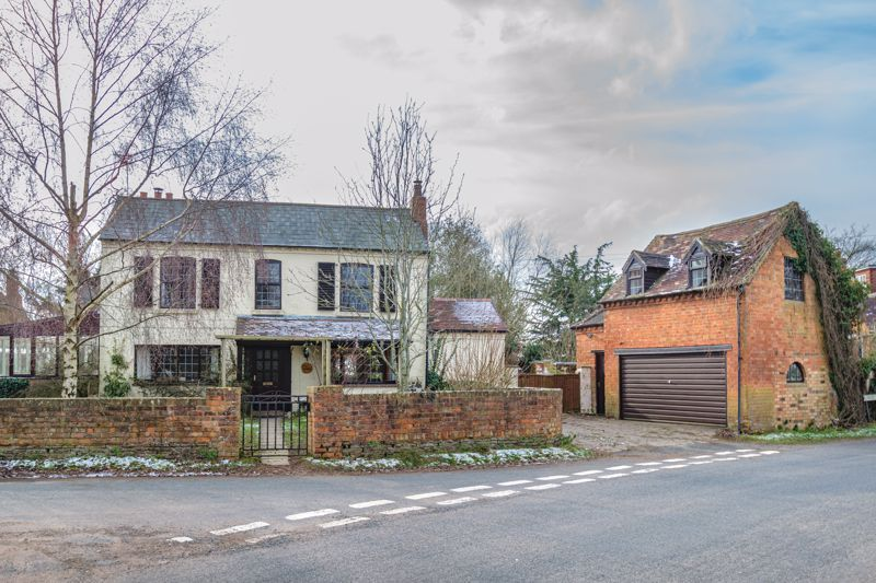 4 bed house for sale in Sharpway Gate 17