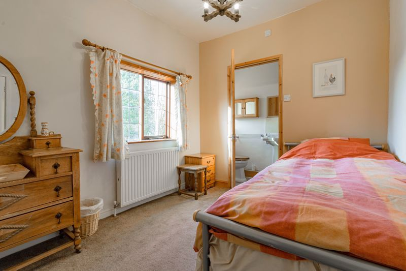 4 bed house for sale in Sharpway Gate 9