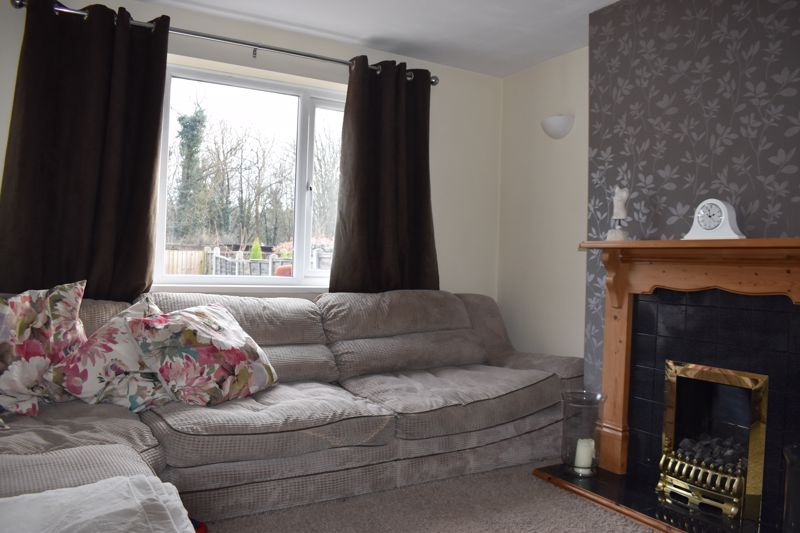 3 bed house to rent in Howley Grange Road 6