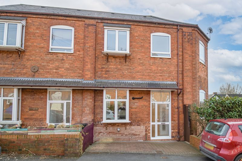 2 bed house for sale in Carlyle Road - Property Image 1