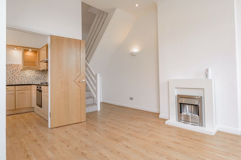 2 bed house for sale in Carlyle Road  - Property Image 2