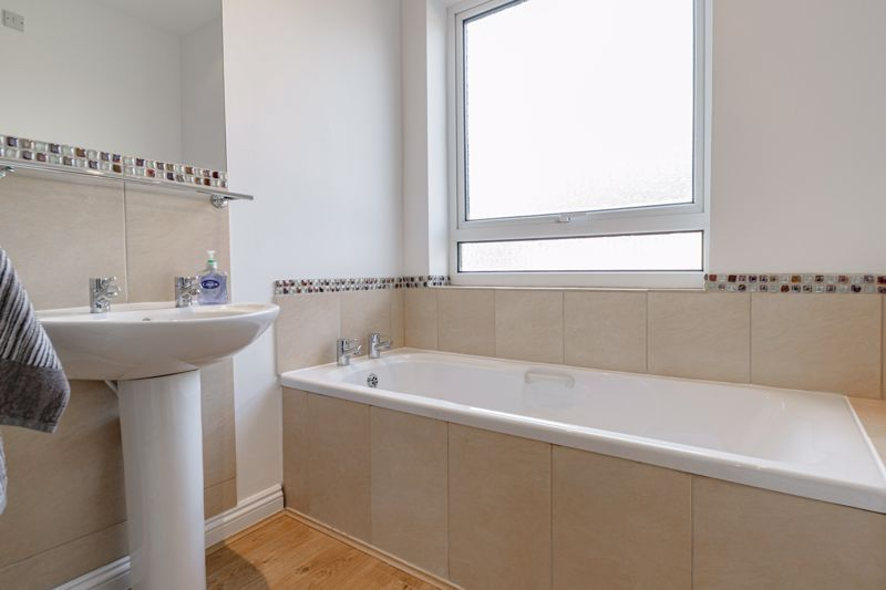 2 bed house for sale in Carlyle Road  - Property Image 11