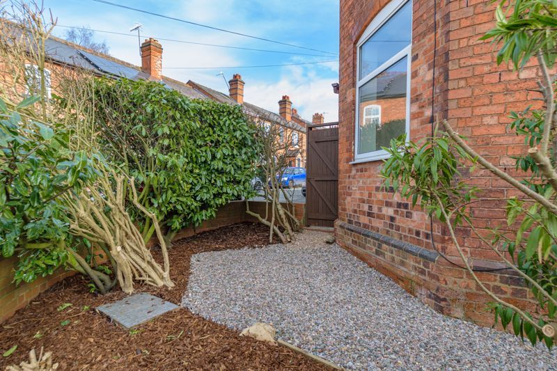 2 bed house for sale in Carlyle Road  - Property Image 12