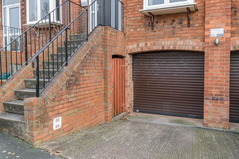 2 bed house for sale in Carlyle Road  - Property Image 13
