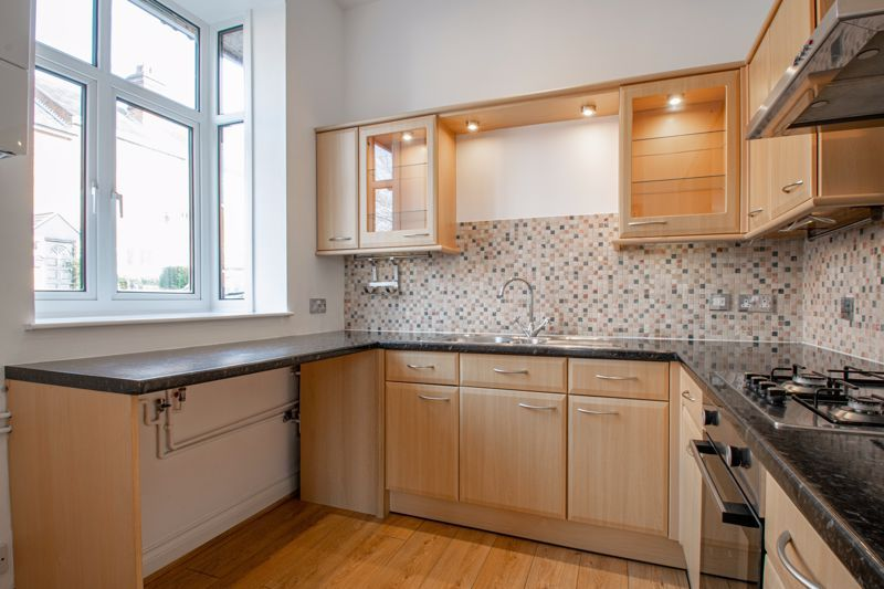 2 bed house for sale in Carlyle Road 3