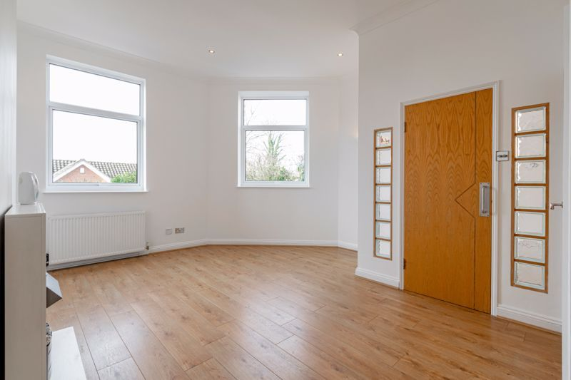 2 bed house for sale in Carlyle Road 5