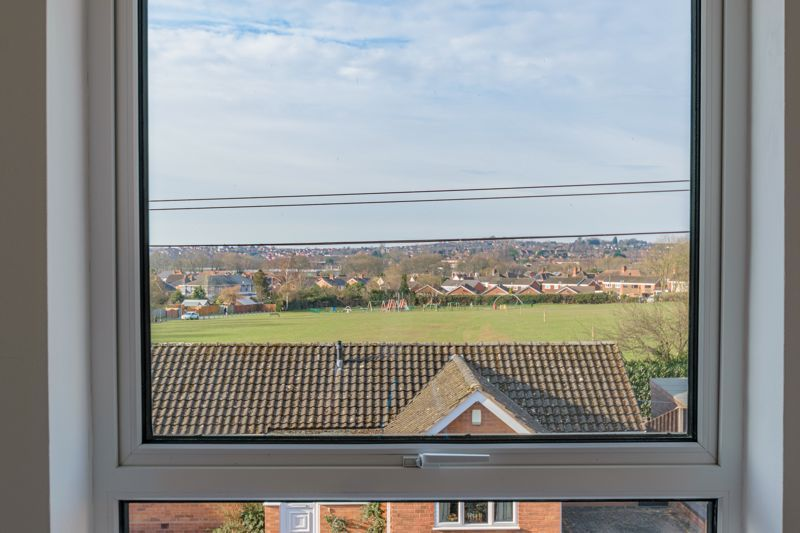 2 bed house for sale in Carlyle Road  - Property Image 8